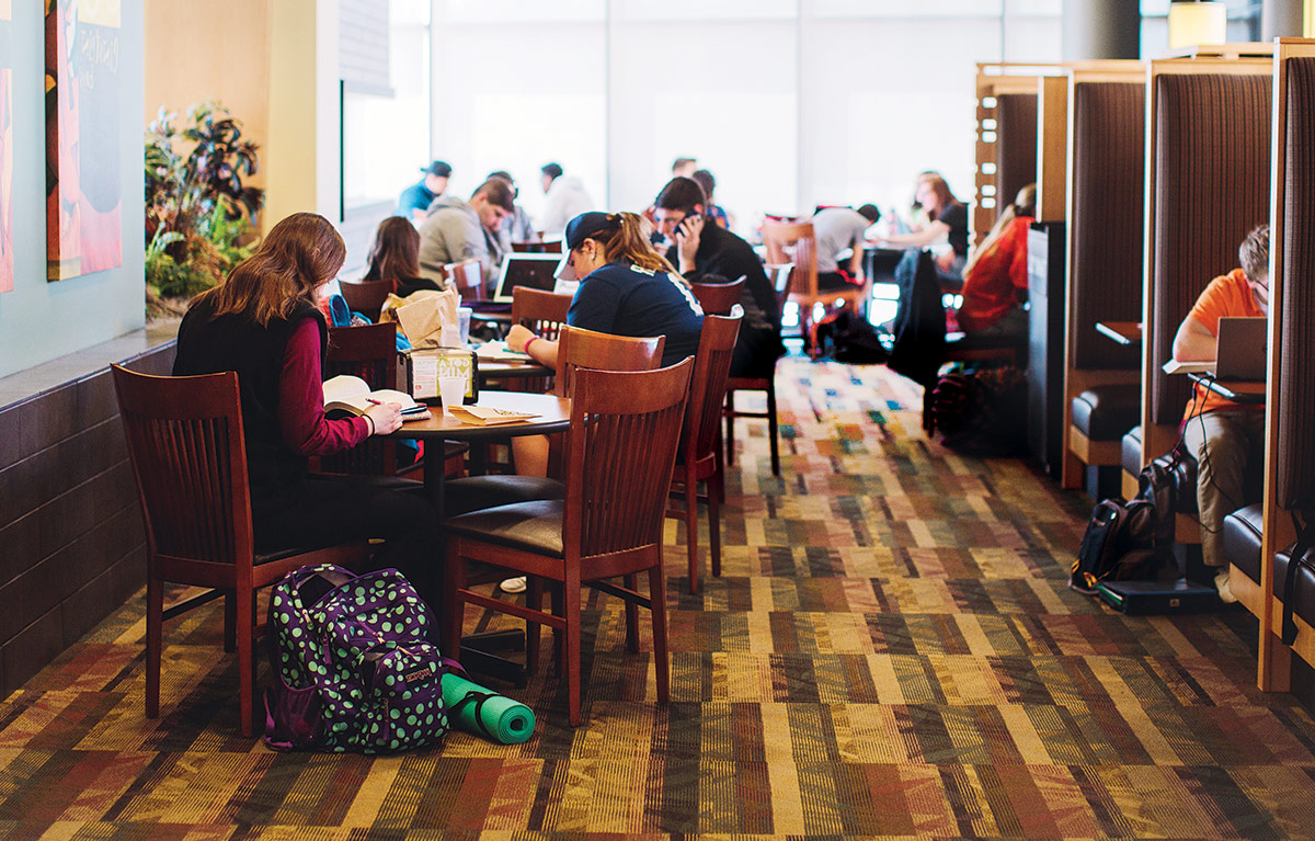 Students studying in Einsteins Bros. Bagels.